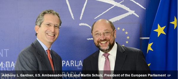 Anthony L. Gardner, U.S. Ambassador to EU, and Martin Schulz, President of the European Parliament